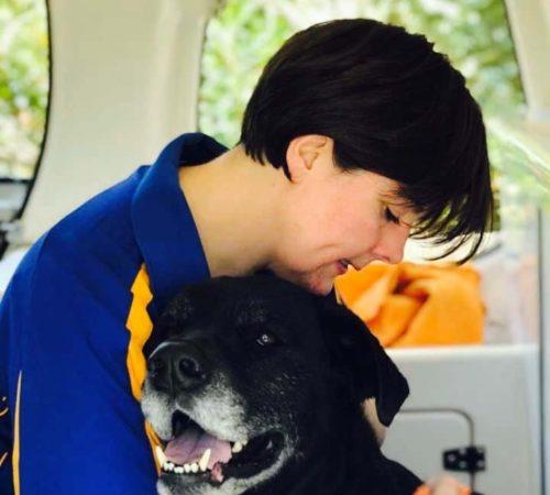 mobile dog groomer, lady mobile dog groomer, mobile dog groomer hawthorn, mobile dog grooming, mobile dog groomer hawthorn, female mobile dog groomer, dog lover, blue wheeler mobile dog groomer hawthorn,